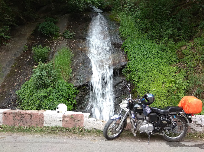 A waterfall on the way to Gangotri temple