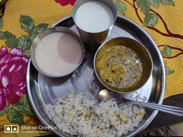 dal chawal lunch- VILLAGE LIFE IN INDIA