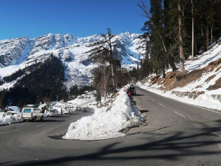 Solang valley picture