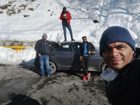 snow capped solang valley